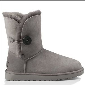 Grey bailey button uggs
